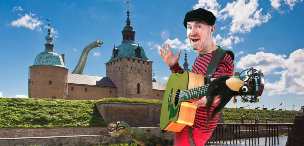 Melodinosauriefestivalen - barnens melodifestival med Pappa Kapsyl på Kalmar Slott sommaren 2018.